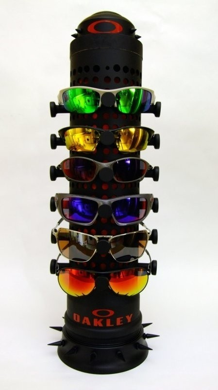 DIY oakley display stand 06