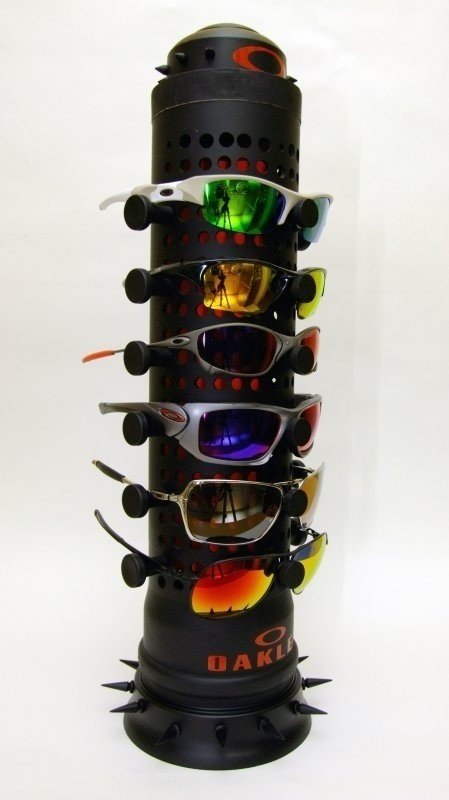 DIY oakley display stand 07