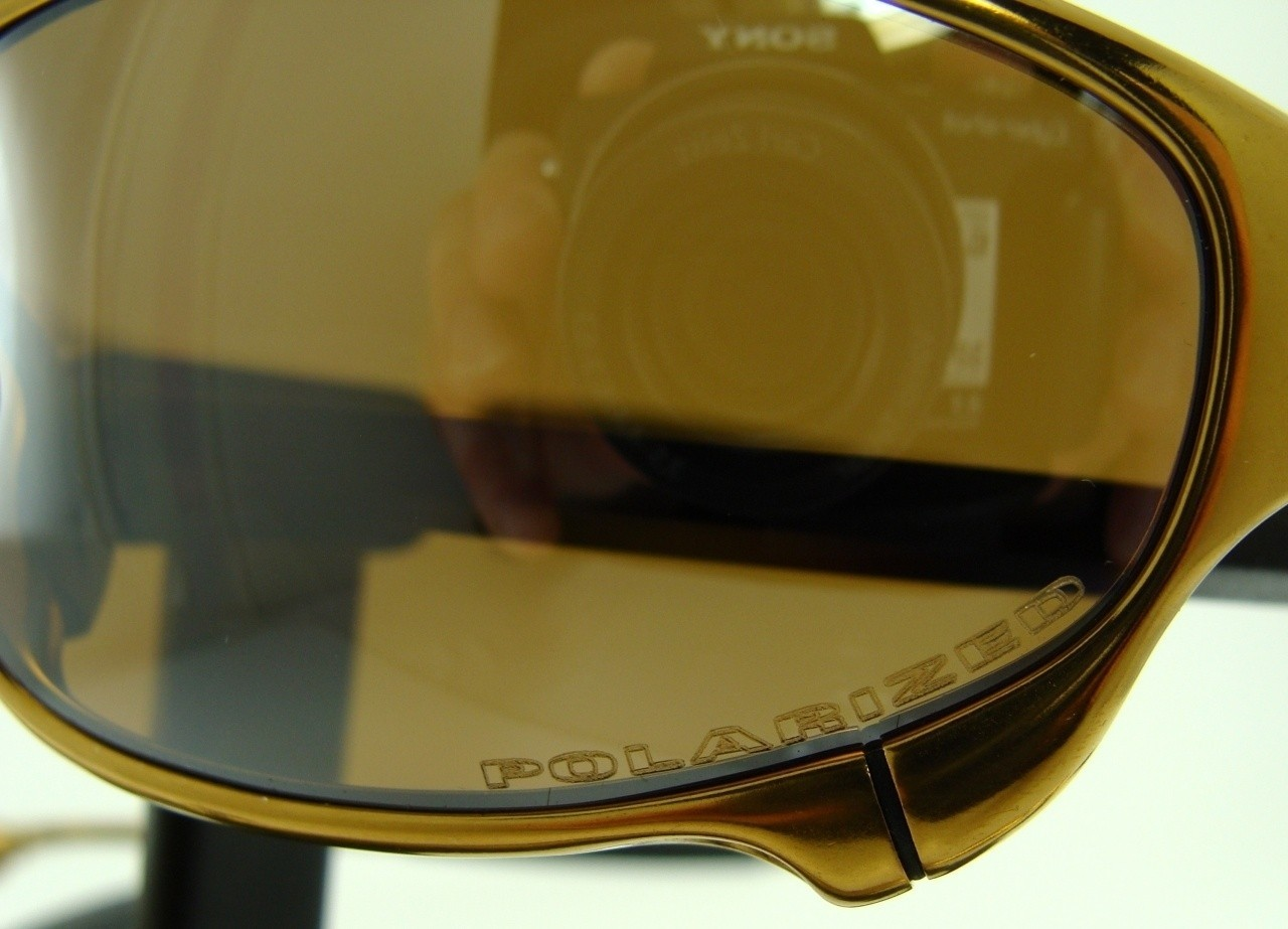 Juliet 24K polar lens closeup