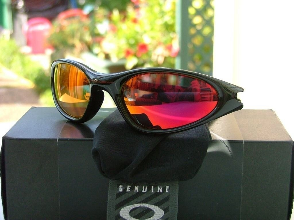 My Oakley Minutes Polished Black/Ruby.
