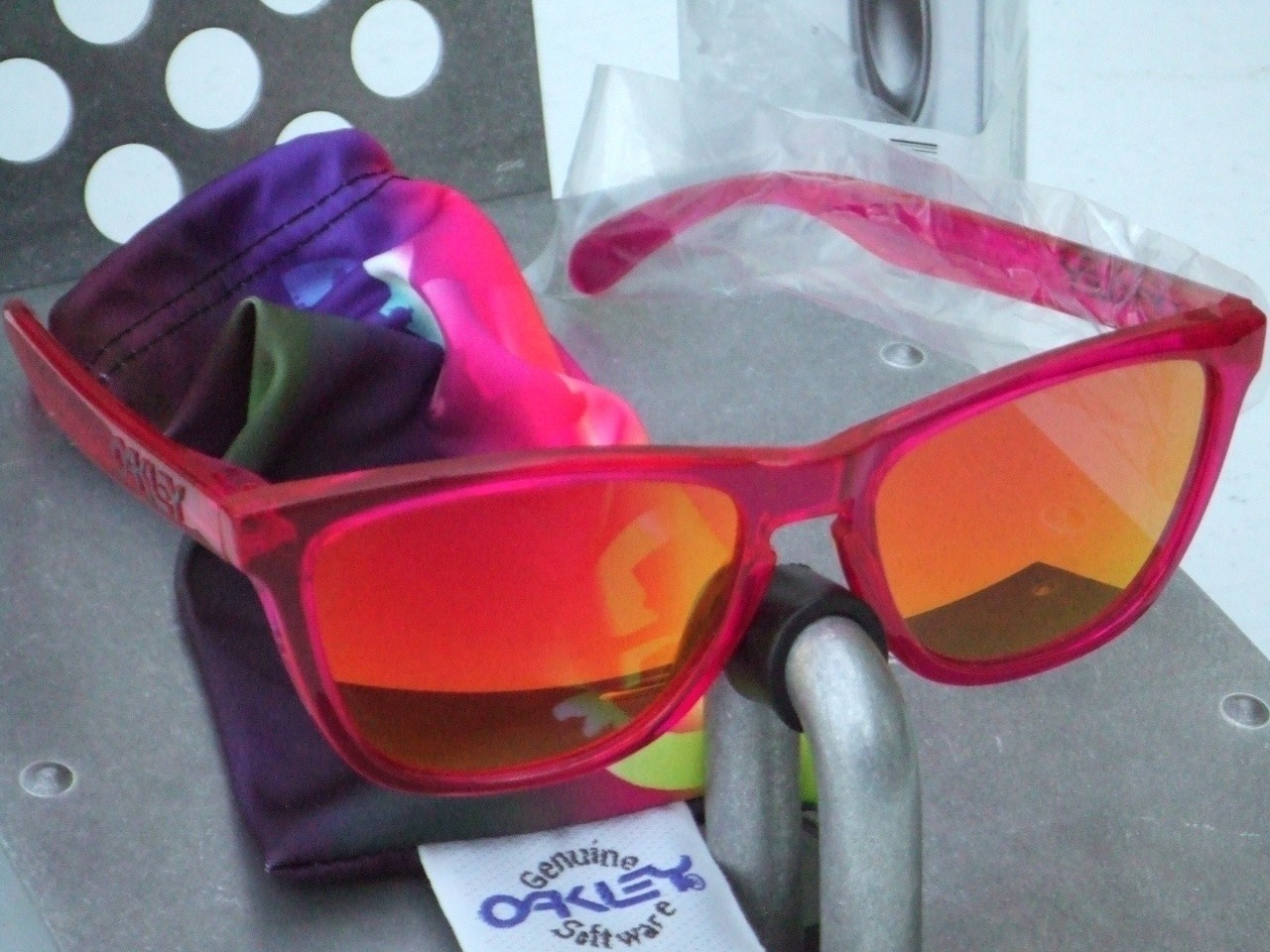 Collectors Frogskins Acid Pink/Replacement Ruby lenses.