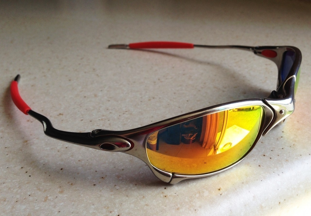 OAKLEY JULIET / POLISHED - RUBY LENSES - Side View