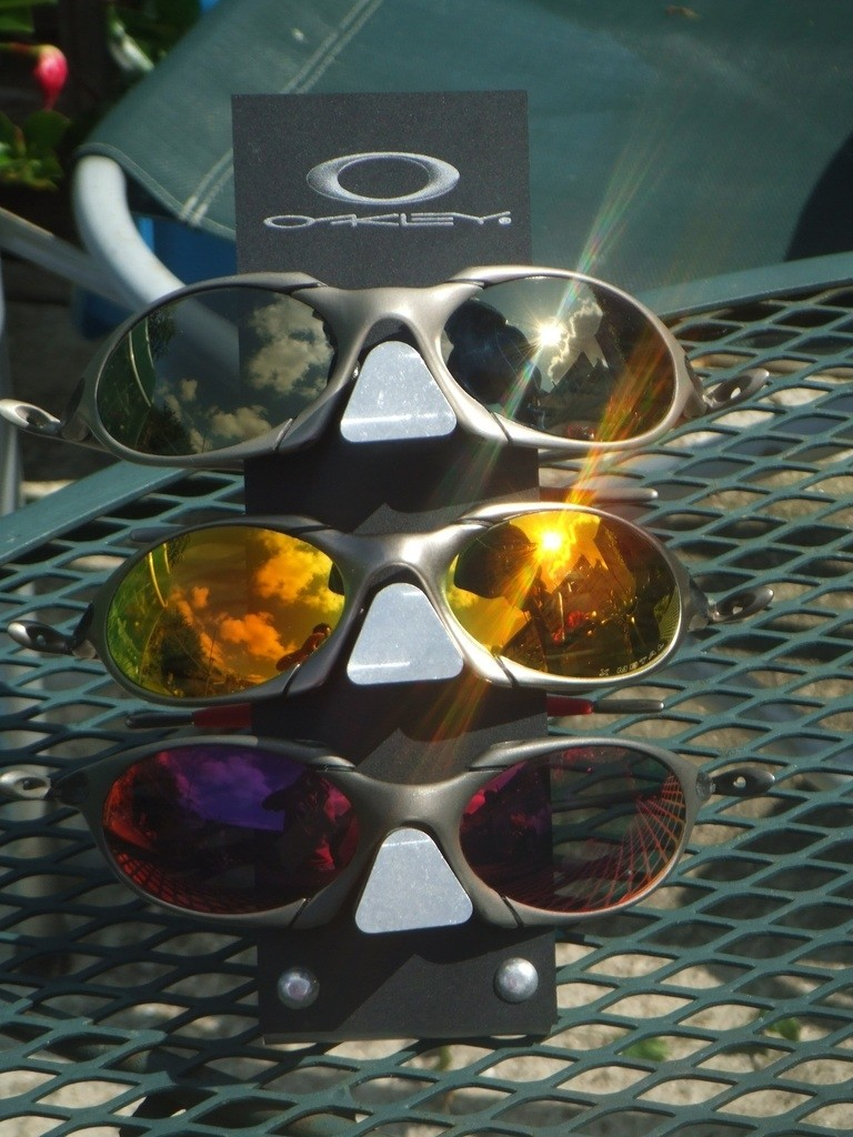 Top : Titanium Frame with Aftremarket Gold lenses by Linegear. Middle: Plasma Frame with Fire Iridium Lenses: Bottom: X Metal Frame with Aftermarket + Red Lenses by Linegear (from 2011)