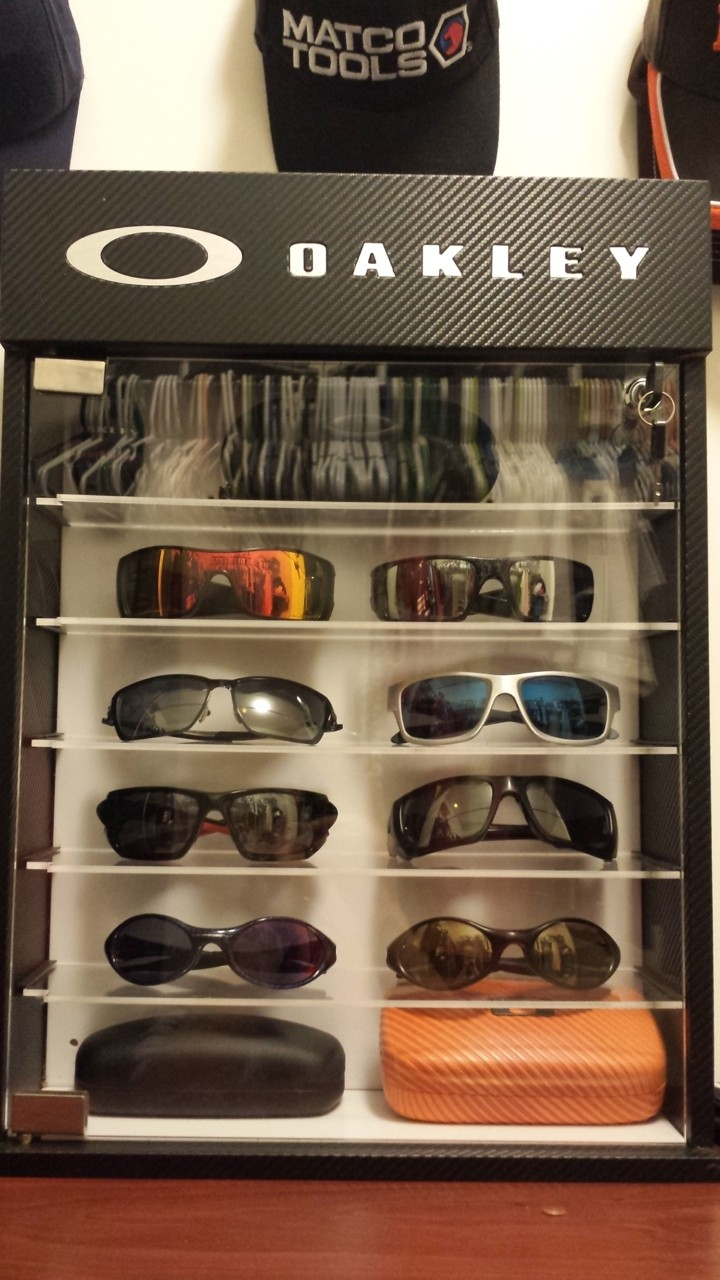 My collection consist of...<br /> Batwolf - matte black fire iridium polarized<br /> <br />...