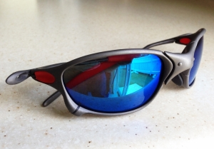 OAKLEY X-METAL XX / X-METAL - BLUE IRIDIUM POLARIZED LENSES - Side View