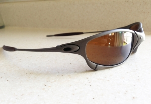 OAKLEY JULIET / X-METAL - DARK BRONZE LENSES - Left View