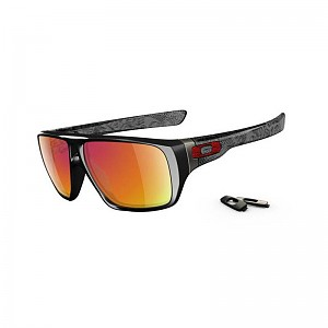 oakley_dispatch_polished-black-grey-smoke-ruby-iridium.jpg